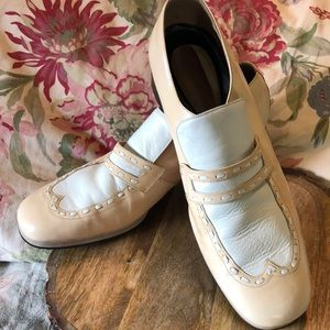 VINTAGE 50's Size 10 Wingtips Nude/White LEATHER